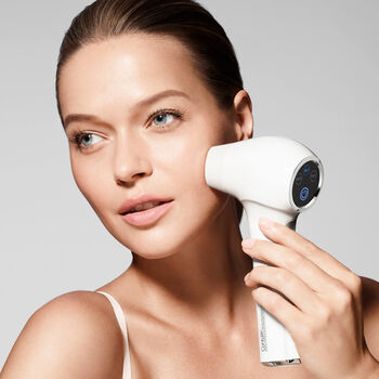 Conture Kinetic Skin Toning Device - White image number null