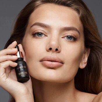 Velvet Veil Skin Perfecting Serum 15ml image number null